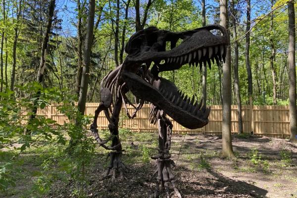 «Планета динозаврів»