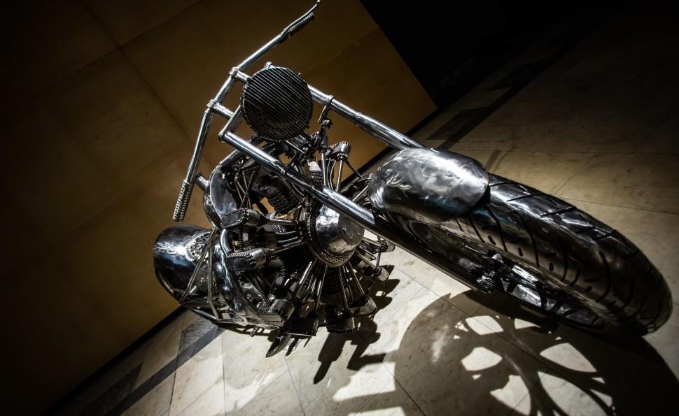 «Галерея сталевих фігур»