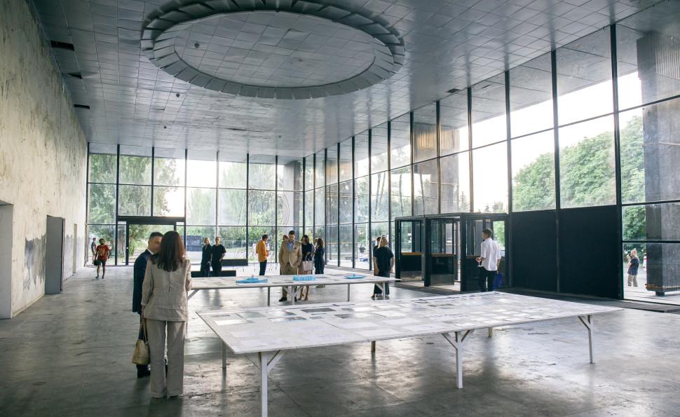 У «Павільйоні культури» на ВДНГ відкриється перша виставка «Корисні копалини» агенції «Ухо»