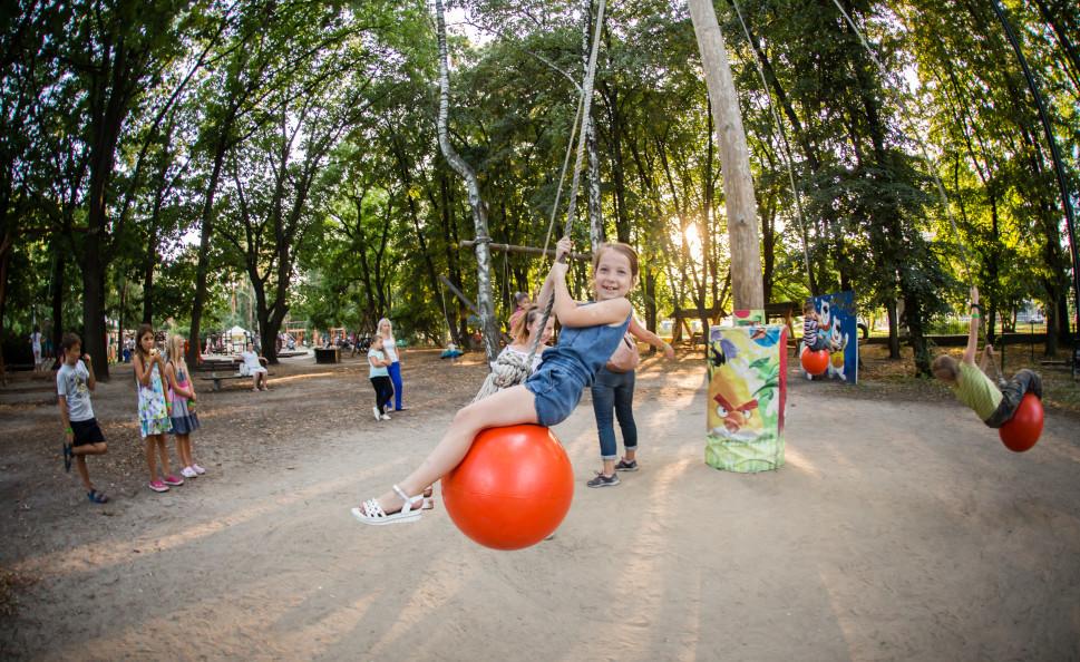 На ВДНГ запускаються два денні дитячі табори на базі простору сімейного відпочинку KACHELI